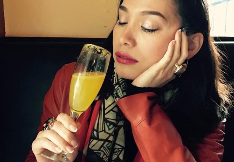 Ngọc Khánh đăng quang Hoa hậu Việt Nam năm 1998 nhờ nhan sắc pha Tây cùng sự thông minh, sắc sảo của mình.