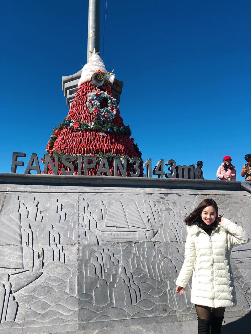 Đó là đỉnh Fanxipan cao hơn 3000m.