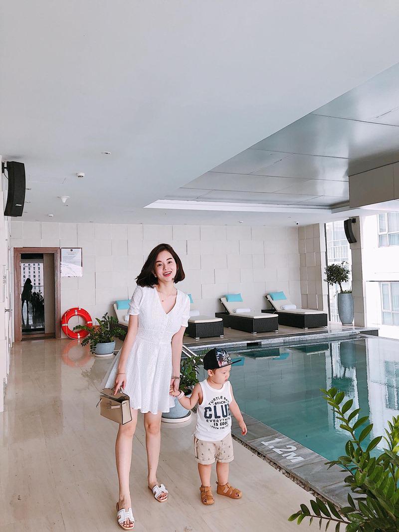 Trong những chuyến du lịch trước, Ly Kute thường đem con trai đi cùng, rất tiếc lần này bé Khoai Tây không thể cùng mẹ khám phá địa điểm du lịch tuyệt vời này của miền Bắc Việt Nam.