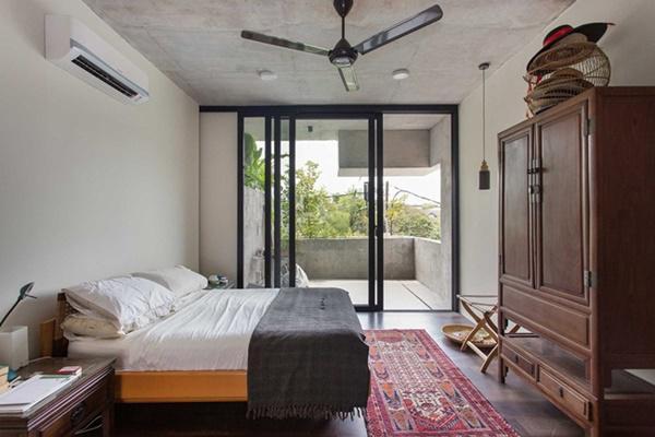 2 vợ chồng già thiết kế căn nhà nhìn như nhà hoang nhưng nội thất mới gây bất ngờ