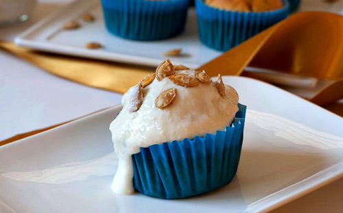 banh muffin dua va bi do thom ngon - 5